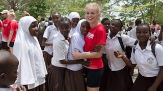 Dgi Verdensholdet Bevæger Sos Børnebyerne I Tanzania Verdensholdet