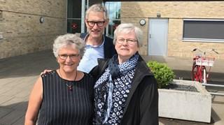 Inge Precht til venstre sammen med DGI's formand Søren Møller og Ruth Siggaard fra Sunds Forenings Fitness efter retsmødet i Herning 9. juni