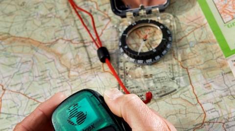 Find Vej I Naturen Med Kort Og Kompas